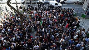 Prancūzijoje blokuojami universitetai – studentai piktinasi naujomis reformomis