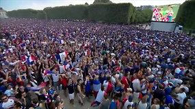 Paryžius šėlsta ir griausmingai švenčia futbolininkų pergalę