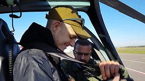 Su kraujo vėžiu kovojančio Ernesto svajonė išsipildė – skraidė sraigtasparniu