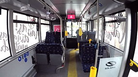 Į sostinės gatves išriedėjus naujiems troleibusams keleiviai iškart pastebėjo privalumus