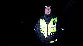 Tamsi realybė Kauno rajone: policija dalino ir atšvaitus, ir liemenes