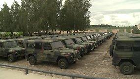 Į Lietuvą iš Nyderlandų per pusmetį atgabenta 200 karinių transporto priemonių