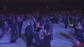 Kauniečiai sekmadienio vakarą smaginosi diskotekoje ant ledo