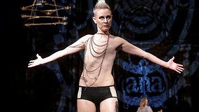 Krūties vėžio paliestos moterys žengė Niujorko mados savaitės podiumu