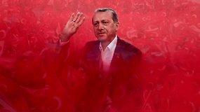 T.R.Erdoganas: svarbiausi faktai apie vis daugiau galių įgaunantį Turkijos prezidentą