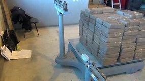 Muitininkai sulaikė didžiausią narkotikų siuntą šiemet – beveik 700 kg hašišo
