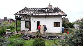 Tragedija Karmėlavoje: tėvas pašovė dukrą, jos sugyventinį, padegė namą ir nusižudė