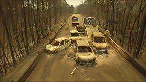 Drono filmuotoje medžiagoje – liepsnų pavytų automobilių griaučiai Portugalijoje