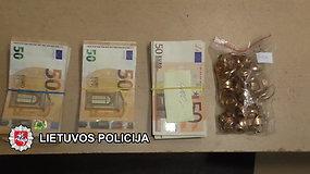 Policijos pareigūnai įvairiuose Lietuvos miestuose naršė lombardus