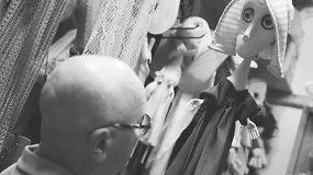 Kalbinant lėlę: teatro lėlių meistras A.Kumpikas kiekvieną savo kūrinį pamildavo lyg vaiką