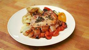 Paprasta pagaminti: sultinga kiaulienos nugarinė su riešutų skonio bulvėmis