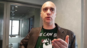 """Dėl J.Statkevičių įžeidusio filmuko teismo slenkstį minantis A.Ramanauskas: """"Laikyk smūgį, Juozai"""""""