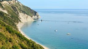 Tobulos itališkos atostogos: nuo auksinių paplūdimių iki žygių kalnuose