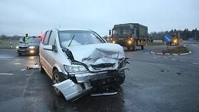Opel ir Audi susidūrimas prie Panevėžio