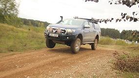 "ARB kompanijos patobulinto ""Ford Ranger"" bandymai kroso trasoje"