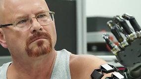 Šiuolaikiniai protezai: valdomi mintimis ir siunčiantys informaciją atgal į smegenis