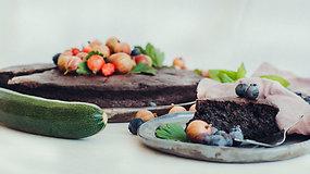 Patiekalai iš cukinijų: nuo lengvų salotų iki puraus ir drėgno šokoladinio pyrago