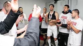 """Marijampolės """"Sūduvos"""" futbolininkai rūbinėje trankiai šventė pergalę"""