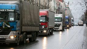 Lietuvos vežėjų protestas – sostinės gatves šturmuoja vilkikai
