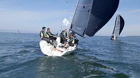 Meška jachtoje: kokią įtaką laivo greičiui ir rezultatams turi įgulos svoris