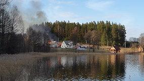 Ignalinos rajone užsidegė du ūkiniai pastatai