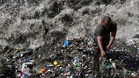 Neatsakingo žmogaus elgesio rezultatas:  Karibų krantus skalauja plastiko bangos