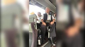 Japonų choras autobuso vairuotoją nustebino sugiedojęs Lietuvos himną