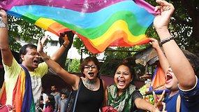 Indijoje priimtas istorinis nutarimas: homoseksualumas nebėra nusikaltimas