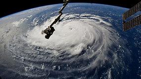 Pietrytinė JAV pakrantė ruošiasi galbūt stipriausiam uraganui per kelis dešimtmečius