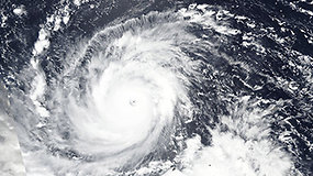 Galingas taifūnas Mangkhut juda link tankiai gyvenamos Filipinų pakrantės