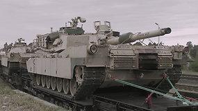 Amerikiečiai pratybose atsivežė tankų ir pėstininkų kovos mašinų