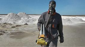 Pavojingomis cheminėmis medžiagomis užterštame Krymo pusiasalyje vykdomi valymo darbai