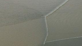 Unikalus gamtos stebuklas: Kinijos upėje susikirto didžiausios pasaulyje potvynių bangos