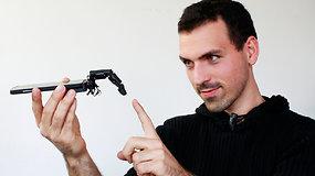 Šiurpą kelianti technologija: mokslininkai sukūrė paglostyti galintį telefono priedą