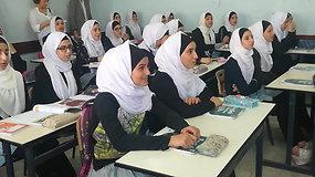 Akimirkos iš mergaičių mokyklos Palestinoje