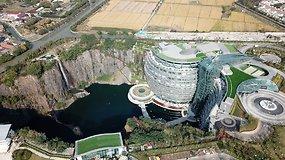 Apleistame karjere pastatyto viešbučio savininkas metė iššūkį gravitacijos dėsniams