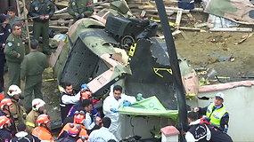 Stambule sudužo pastato stogą kliudęs sraigtasparnis – žuvo keturi kariai