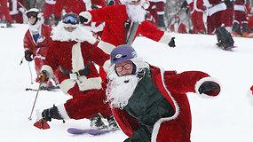Kurorto poilsiautojus nudžiugino įspūdingas Kalėdų Senelių kalno šturmas
