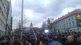 Dešimtys tūkstančių slovakų susirinko paminėti Jano Kuciako nužudymo metinių