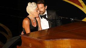 """Įspūdingi """"Queen"""" ir Lady Gagos bei Bradley Cooperio pasirodymai """"Oskarų"""" ceremonijoje"""