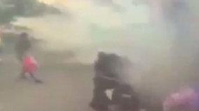 Užfiksuota pražūtinga traukinio avarija: didžiulės liepsnos prarijo stotį
