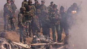 Nuogąstavimai dėl konflikto tarp Pakistano ir Indijos: skelbia numušę vienas kito karo lėktuvų