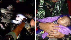 Stebuklas pražūtingų potvynių nusiaubtoje Indonezijoje: iš namo griuvėsių ištrauktas gyvas kūdikis