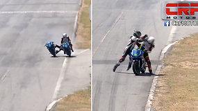 Lenktynes sustabdė trasoje įsiplieskusios dviejų motociklininkų peštynės