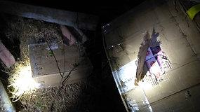 Kontrabandines cigaretes lietuvis ir baltarusis slėpė po šiaudais ir šiferiu