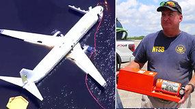 """Rasta į upę nuslydusio """"Boeing"""" keleivinio lėktuvo juodoji dėžė – prasidėjo tyrimas"""