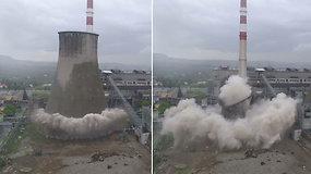 Pamatykite, kaip Lenkijos jėgainėje 90 m aukščio aušinimo bokštas per akimirką virto dulkėmis
