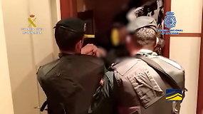 Ispanų policija skelbia tarptautinei grupuotei vadovavusio lietuvio sulaikymo vaizdus