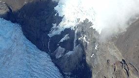 Sunerimę mokslininkai skambina pavojaus varpais: skyla vienas didžiausių pasaulio ledynų