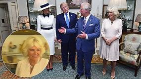 Po D.Trumpo vizito hercogienė Camilla šaukėsi pagalbos? Paslaptingas mirktelėjimas tapo sensacija